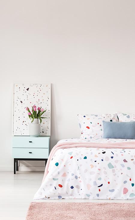 Tapisserie murale imprimée sur mesure décorant une tableCréez votre propre pièce à thème