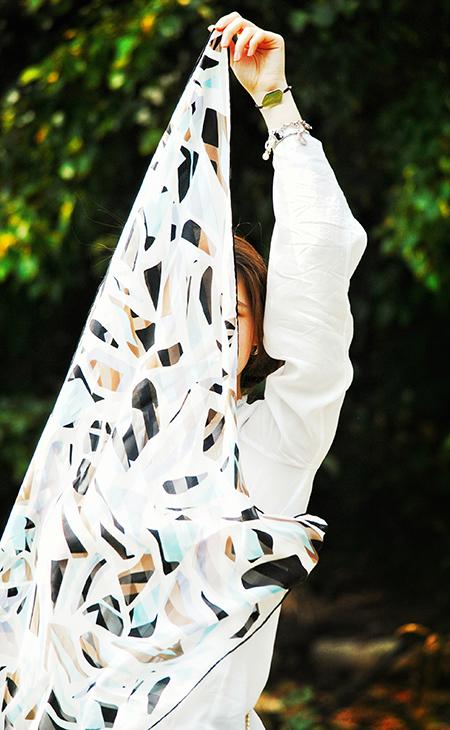 Lancez une gamme de foulards en édition limitée